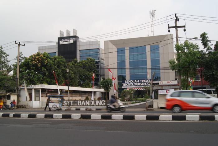 Biaya Pendaftaran Kuliah Kelas Karyawan Sekolah Tinggi Teknologi Bandung ( STTB )